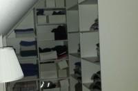 Kleiderschrank in Dachschräge